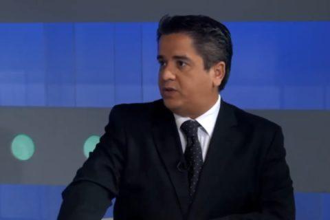 Entrevista con César Miguel Rondón – En Conexión